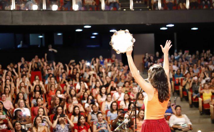 Abertura da formação do projeto Palavra Cantada no Teatro Paulo Moura.